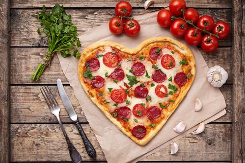Was ist die Mehrzahl von Pizza? Pizzas oder Pizzen?